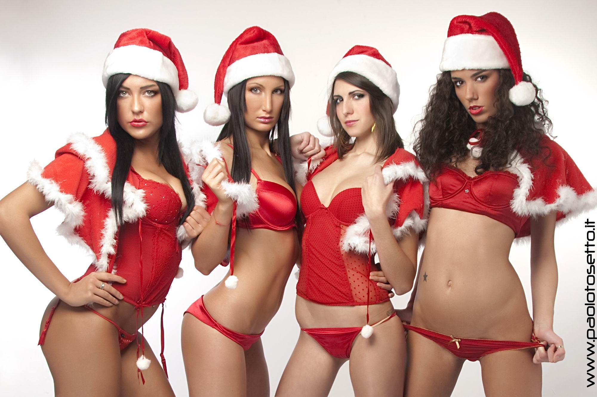 Immagini Natale Hot.Le Sexy Aiutanti Di Babbo Natale Al Mojito Fino A Domenica Padova24ore