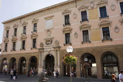 Università, Firenze è al topIl Ministero premia 9 dipartimenti