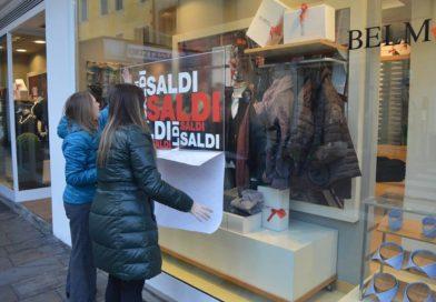 Saldi a Padova: le cinque regole d'oro per spendere bene il budget che in media è di 370 euro a famiglia