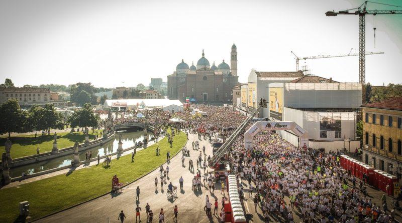 La maratona di Padova la vince l'eritreo Mogos Shumay, etiope la prima delle donne