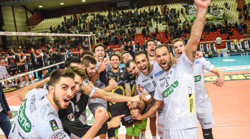 La Kioene Pallavolo Padova piega il muro dei campioni in carica di Perugia. Ma preoccupa l'infortunio di Randazzo
