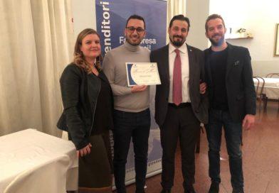 Mohamed Sbahi premiato da Ascom Giovani per l'innovazione di Isha Srl