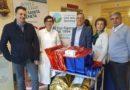 Pam Panorama dona giocattoli ai bambini della Clinica di Oncoematologia