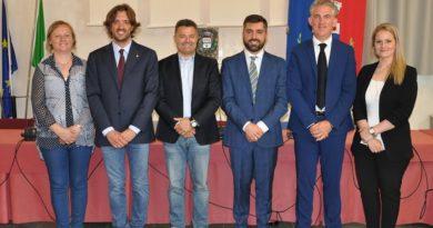Varata la Giunta di Cadoneghe: il sindaco Marco Schiesaro si affida all'esperienza del manager Luigi Sposato. Vice sindaco Devis Vigolo