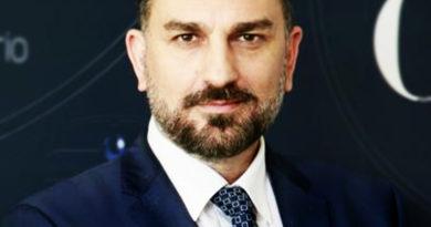 Il vice di Zaia ed altri due leghisti fanno richiesta dei 600 euro dal Governo. L'indignazione di Simone Borile (Movimento 5 stelle)