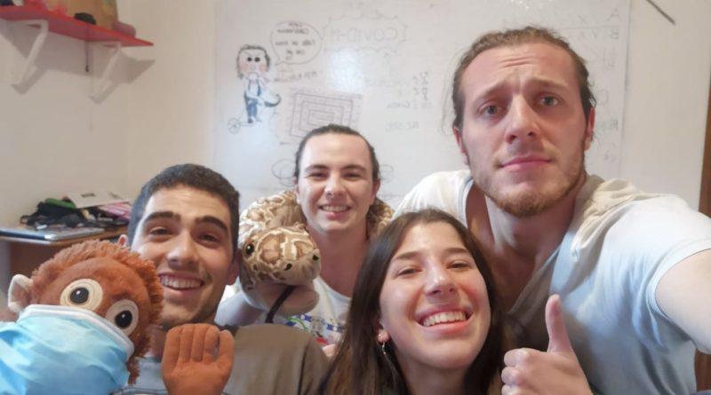 """Quattro studenti in quarantena chiamano """"Il Monring Show"""" di Radio Cafè: """"Sos, aiutateci"""""""