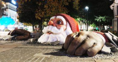 Ad Abano Terme arrivano i maxi Babbo Natale